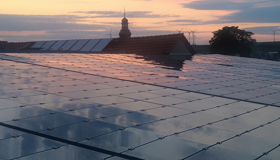 sonnenuntergang-solar-panel-cesolar