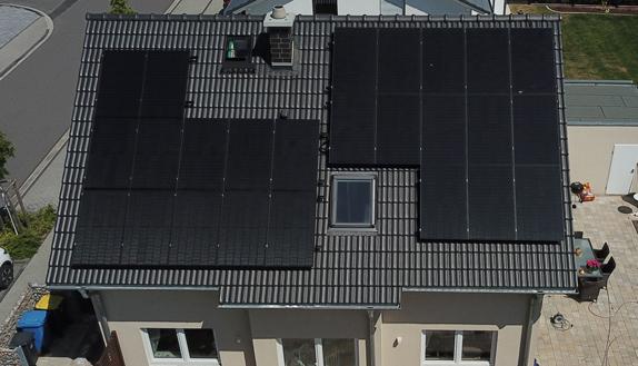 dach-solar-panel-haus-cesolar